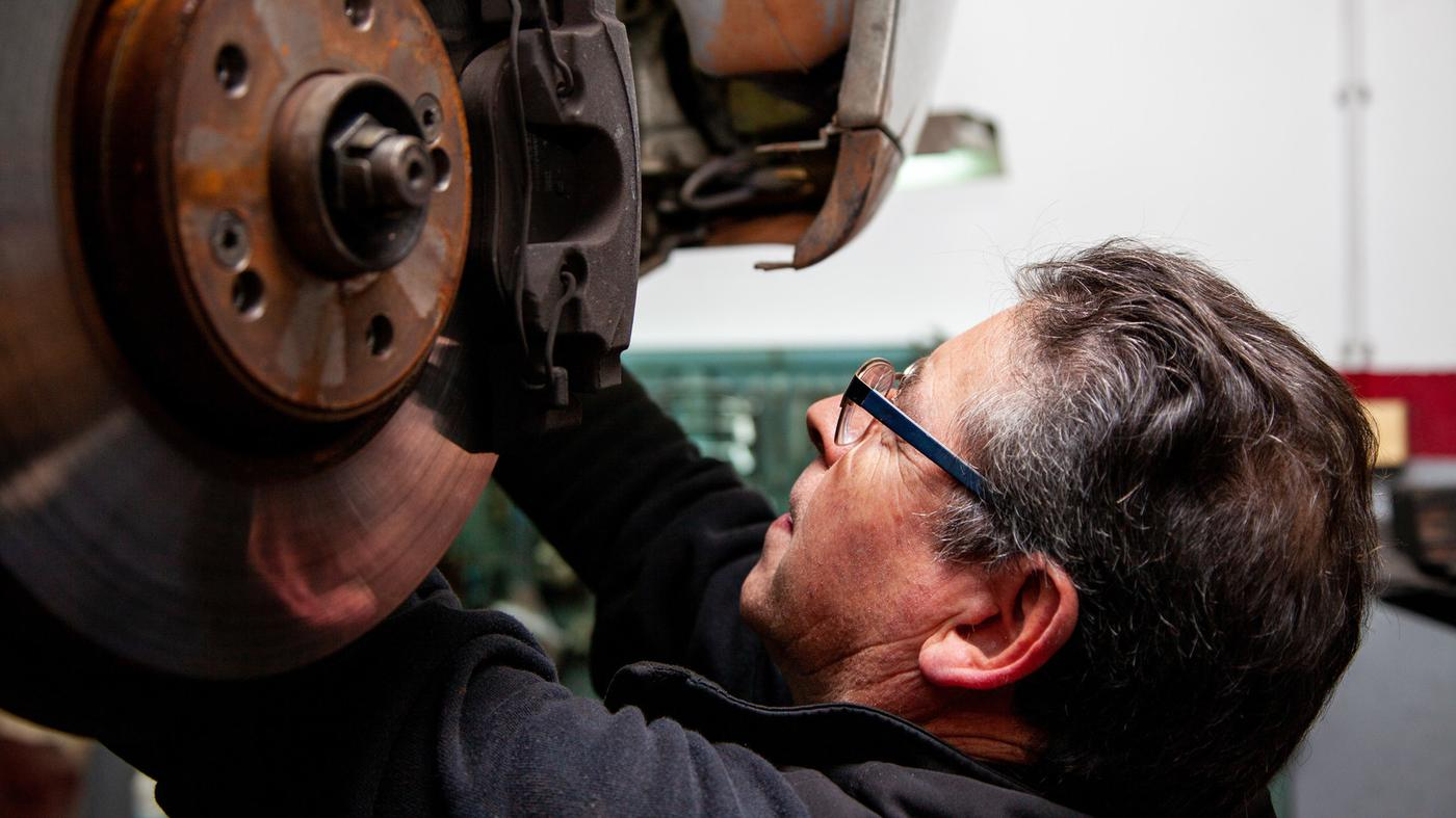 How to Become a Motor Trader |